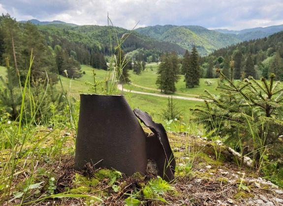 Úz-völgye titkainak nyomában: sziklába vájt lőállások, lövészárkok, tankakadályok és bunkerek