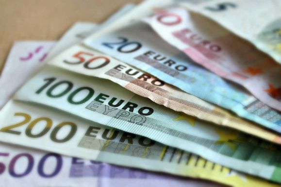 Románia lelkesedik az euróért, de hiába