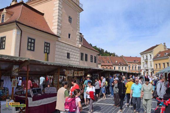 Brassó új belvárosi terét lakja be a magyar közösség fesztiválja