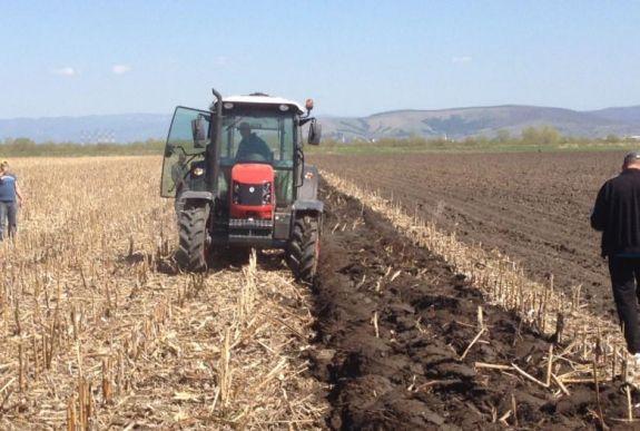 arra törekszik, hogy a mezőgazdaság)