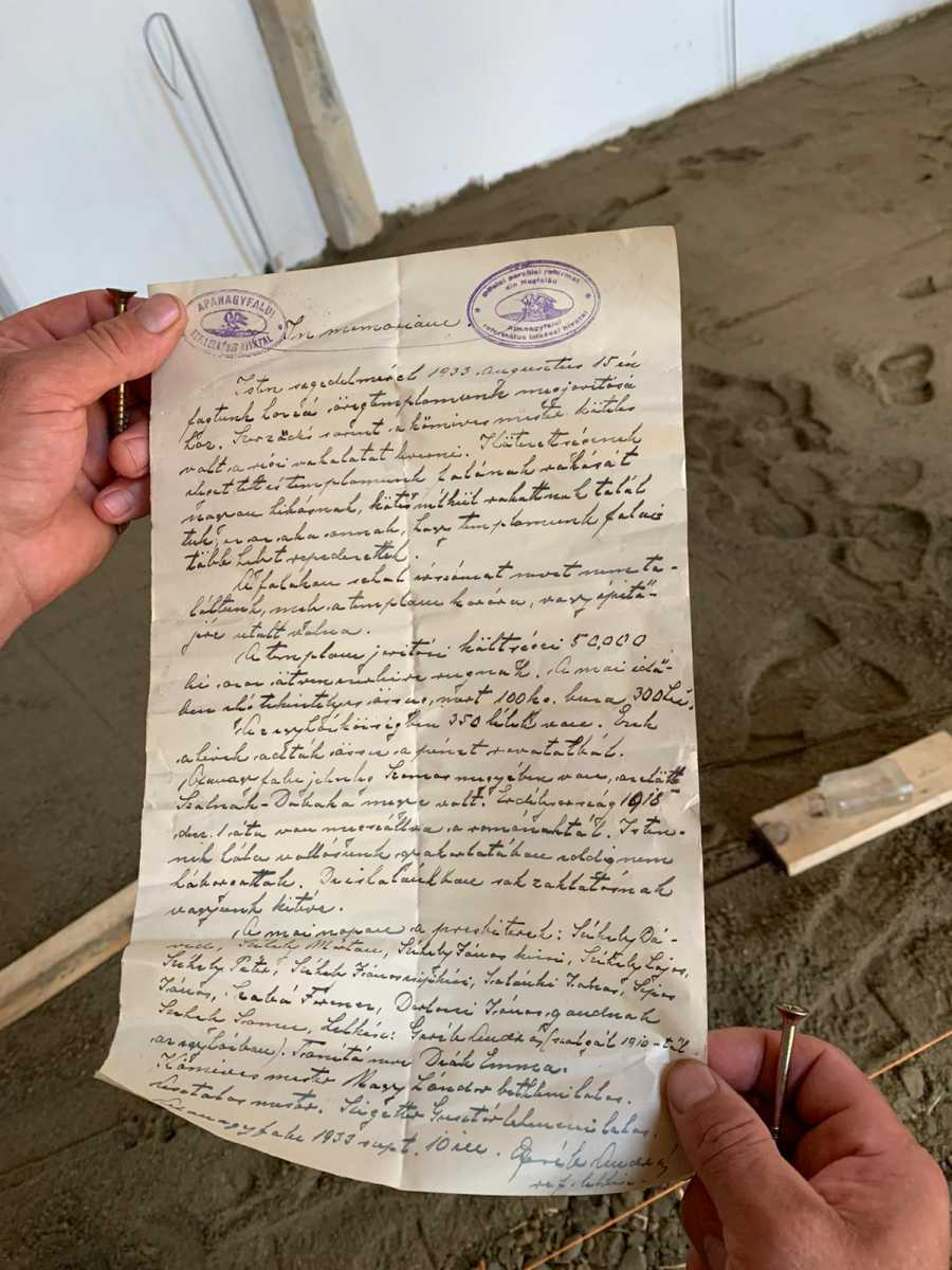 A két értékes pecsétet tartalmazó levél