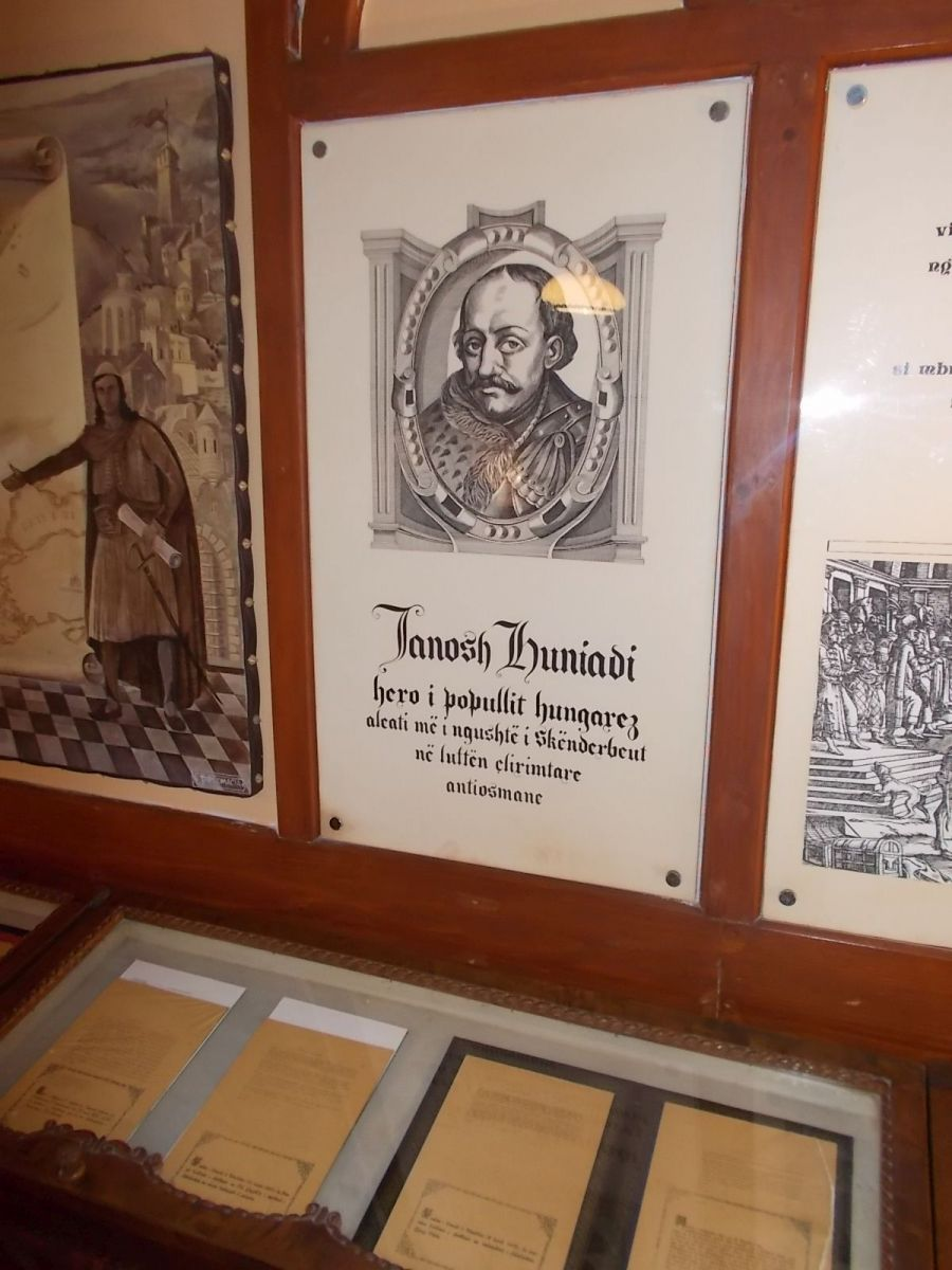 Hunyadi János képe a Szkander bég múzeumban