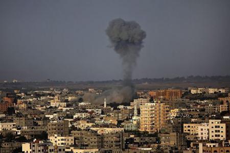 Izrael ledöntötte a Gázai övezet második legmagasabb épületét – 3 ENSZ határozattervezet követel tűzszünetet