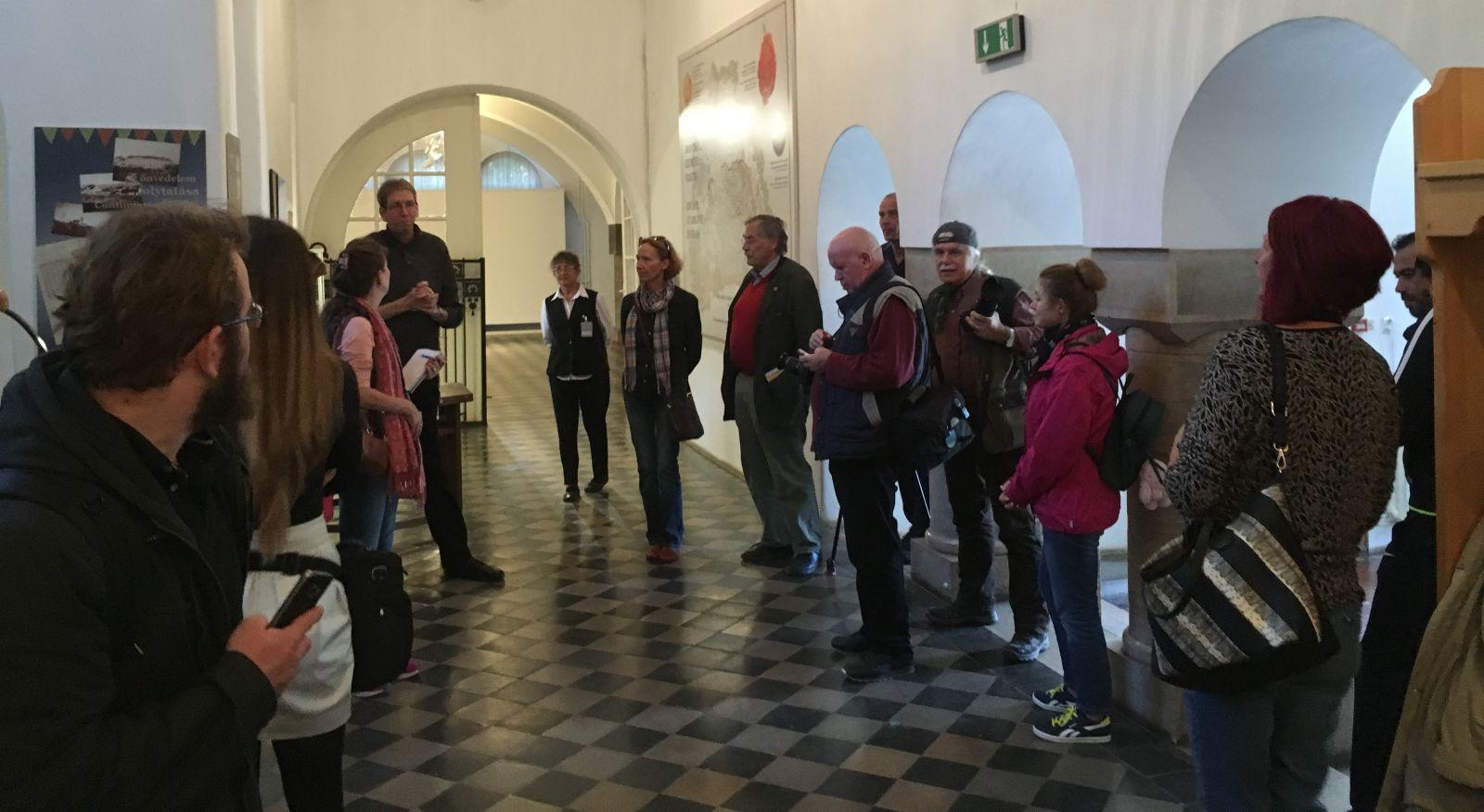 Román újságírók a Székely Nemzeti Múzeumban | A szerző felvétele