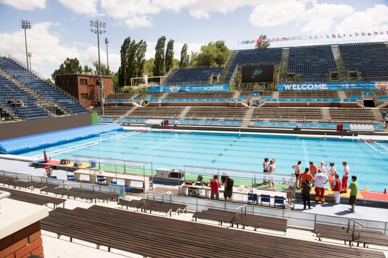 A vizes világbajnokság vízilabdatornájának helyszíne, a Hajós Alfréd Nemzeti Sportuszoda a Margitszigeten