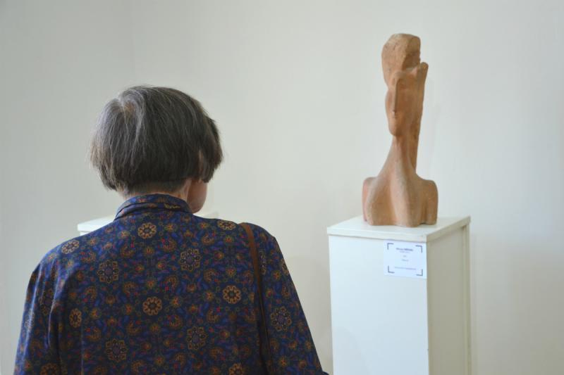 Háttérben - Mircea Spătaru: Fiatal nő