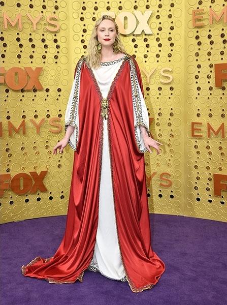 Mintha az ókori Róma utcáiról csöppent volna az Emmy-gálára Gwendoline Christie.