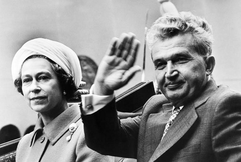 Nicolae Ceausescu és Erzsébet királynő. Közelkép