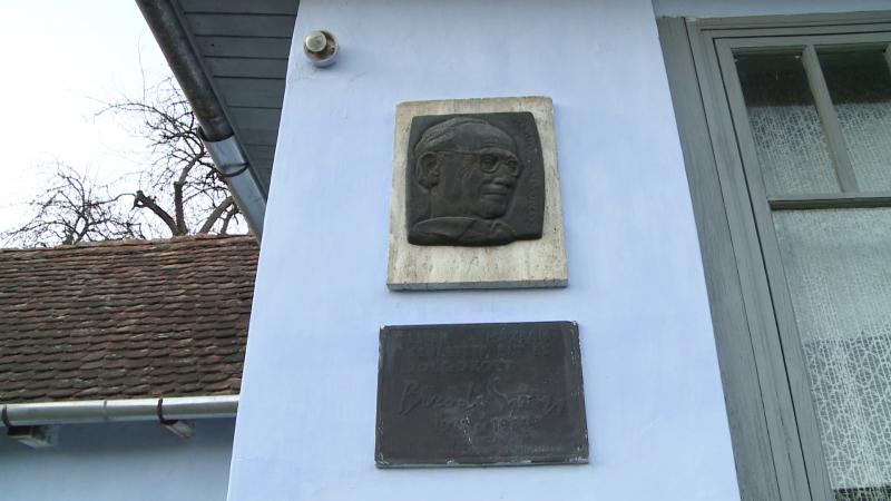 Bözödi György-plakett a szülőház falán
