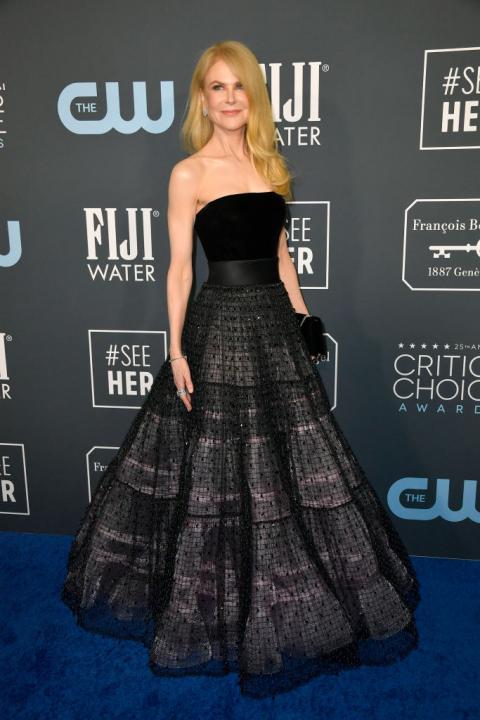 Egyszerű és nagyszerű - Nicole Kidman egy fekete, mégis különleges estélyit választott a díjátadó gálára.