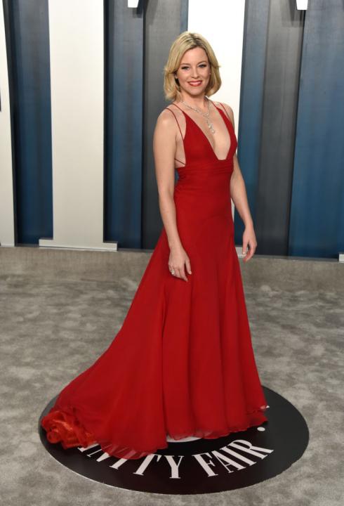 Elizabeth Banks ruhaválasztása azért lett a kedvencünk, mert korábban már viselte egy Oscar-afterpartin. Azzal, hogy újra felvette ezt az estélyit, szembement a berögzült felfogással, miszerint nem lehet egy különleges ruhadarabot többször felvenni hasonl