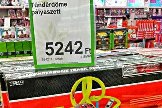 Thunderdome? Hívjuk ezentúl az AC/DC számát is csak Tündérstruccnak.